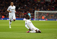 Pictured: Nathan Dyer is celebrating his goal. Sunday 24 February 2013<br />