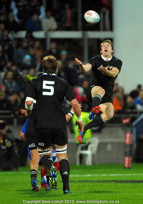 Ben Smith goes up for a high ball during the international rugby match between the New Zealand All Blacks and France at Yarrow Stadium, New Plymouth, New Zealand on Saturday, 21 June 2013. Photo: Dave Lintott / lintottphoto.co.nz