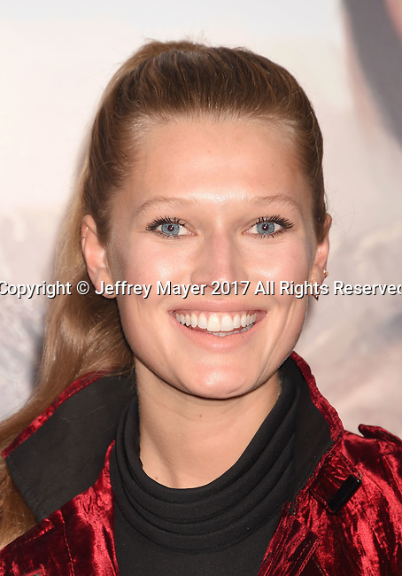 HOLLYWOOD, CA - FEBRUARY 15: Model Toni Garrn  arrives at the premiere of Universal Pictures' 'The Great Wall' at TCL Chinese Theatre IMAX on February 15, 2017 in Hollywood, California.
