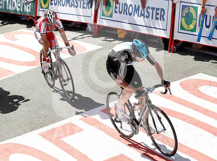 Christopher Froome (r) and Daniel Moreno during the stage of La Vuelta 2012 between Vilagarcia de Arousa and Mirador de Erazo (Dumbria).August 30,2012. (ALTERPHOTOS/Acero)