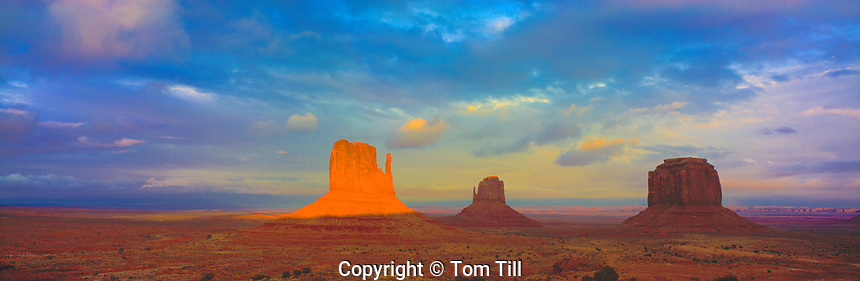 Monument Valley Panorama, Monument Valley Tribal Park, Arizona / Utah  Mittens and Merrick Butte