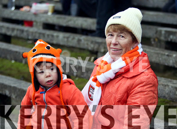 Eilan Brwnen and her grand son Darragh supporting Brosna at Ballinasloe, Co. Galway.<br /> Picture: Hany Marzouk