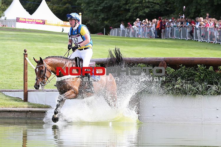 30.07.2012, Greenwich Park, London, Great Britain, Olympische Sommerspiele 2012, Vielseitigkeitsreiten Cross-Country, im Bild<br /> Niklas Lindback (Schweden) auf Mister Pooh<br /> <br /> Foto &copy; nph / Mueller *** Local Caption ***
