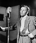 Portrait of Frank Sinatra at Liederkranz Hall, New York. 1947