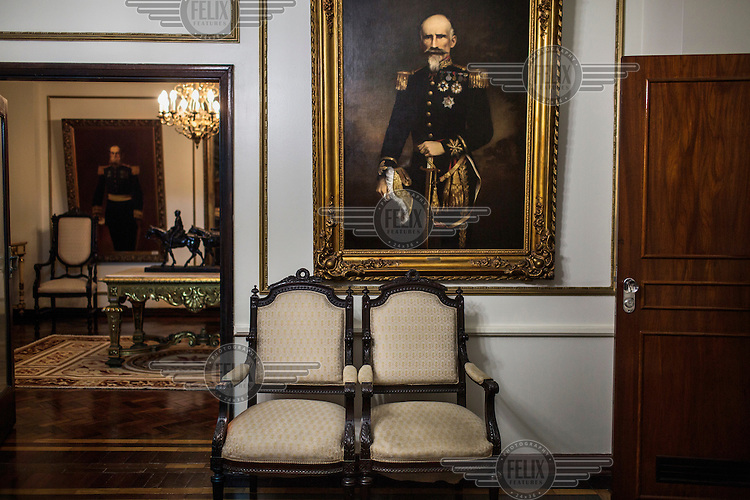 Military portraits in the Presidential Office at Clube Militar.