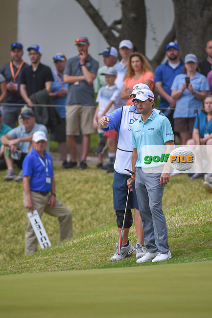 Kevin Kisner (USA) looks over his putt on 7 during day 5 of the World Golf Championships, Dell Match Play, Austin Country Club, Austin, Texas. 3/25/2018.<br /> Picture: Golffile   Ken Murray<br /> <br /> <br /> All photo usage must carry mandatory copyright credit (© Golffile   Ken Murray)