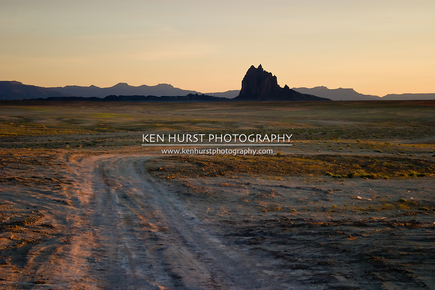 Dirt road leading to Shiprock Pinnacle or Peak, also known as Tse Bit a'i in Navajo on the Navajo Nation in New Mexico.