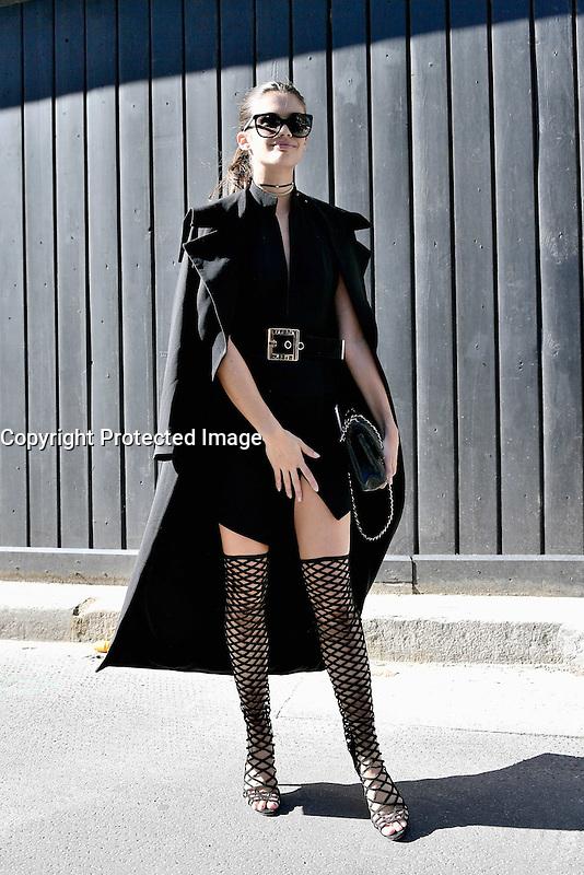 Sara SAMPAIO - Show MIU MIU - Paris Fashion Week Womenswear Spring/Summer 2017 - 5 octobre 2016 - FRANCE