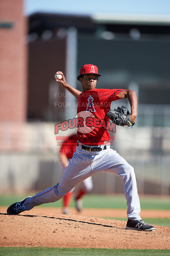 Los Angeles Angels of Anaheim pitcher Elvin Rodriguez (70) during an Instructional League game against the San Francisco Giants on October 13, 2016 at the Tempe Diablo Stadium Complex in Tempe, Arizona.  (Mike Janes/Four Seam Images)