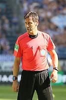 Schiedsrichter Wolfgang Stark - 27.08.2016: Eintracht Frankfurt vs. FC Schalke 04, Commerzbank Arena