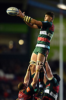 Mike Williams of Leicester Tigers wins the ball at a lineout. Gallagher Premiership match, between Leicester Tigers and Saracens on November 25, 2018 at Welford Road in Leicester, England. Photo by: Patrick Khachfe / JMP