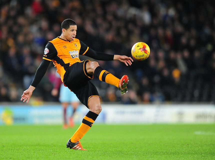 Hull City's Curtis Davies<br /> <br /> Photographer Chris Vaughan/CameraSport<br /> <br /> Football - The Football League Sky Bet Championship - Hull City v Burnley - Saturday 26th December 2015 - Kingston Communications Stadium - Hull<br /> <br /> &copy; CameraSport - 43 Linden Ave. Countesthorpe. Leicester. England. LE8 5PG - Tel: +44 (0) 116 277 4147 - admin@camerasport.com - www.camerasport.com