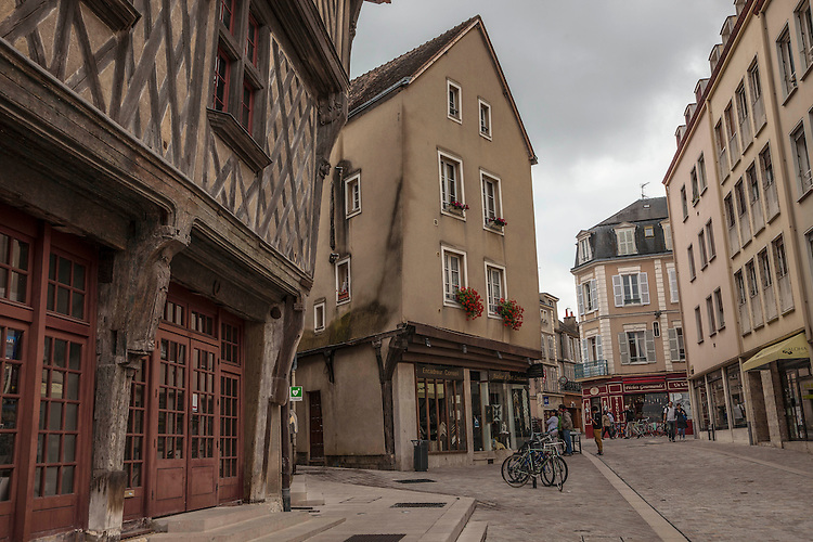 The old town district in Chartres maintains a serene atmosphere amongst its charming buildings.