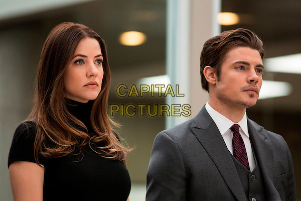 "JULIE GONZALO & JOSH HENDERSON .in Dallas (Series 2, Episode 13, ""Love and Family"").*Filmstill - Editorial Use Only*.CAP/NFS.Supplied by Capital Pictures."
