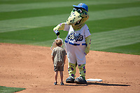 Rancho Cucamonga Quakes Tremor cools off a young fan between innings at LoanMart Field on May 28, 2018 in Rancho Cucamonga, California. The Storm defeated the Quakes 8-5.  (Donn Parris/Four Seam Images)