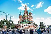 MOSCOU, RUSSIA, 05.07.2018 - TURISMO-RUSSIA - Vista Catedral de Sao Basilio na praça vermelha na cidade de Moscou na Russia nesta quinta-fira, 05. (Foto: William Volcov/Brazil Photo Press)