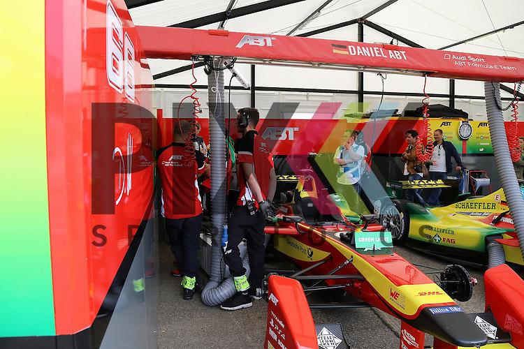 Berlin, 23.05.2015, Motorsport, FIA Formel E Championship, Formel E DHL Berlin ePrix, 8. Rennen : Box von Daniel Abt (Audi Sport ABT, #66)<br /> <br /> Foto &copy; P-I-X.org *** Foto ist honorarpflichtig! *** Auf Anfrage in hoeherer Qualitaet/Aufloesung. Belegexemplar erbeten. Veroeffentlichung ausschliesslich fuer journalistisch-publizistische Zwecke. For editorial use only.