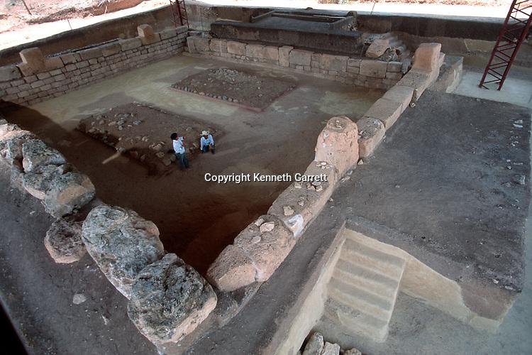 Olmec; Ancient Cultures; The Americas; Teopantecuanitlan; Mexico; jaguar; Sculpture