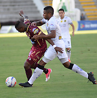 IBAGUE -COLOMBIA, 20-07-2017:Acción de juego entre los equipos Deportes Tolima y Alianza Petrolera durante partido por la fecha 3 de la Liga Águila II 2017 jugado en el estadio Manuel Murillo Toro de la ciudad de Ibagué . /  Action game between Deportes Tolima and Alianza Petrolera  during match for the date 3 of Aguila League II 2017 played at Manuel Murillo Toro stadium in Ibague. Photo: VizzorImage / Juan Carlos Escobar  / Cont