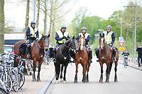 VOETBAL: HEERENVEEN: Abe Lenstra Stadion, SC Heerenveen - Feyenoord, 06-05-2012, politie te paard, ordehandhaving, Eindstand 2-3, ©foto Martin de Jong
