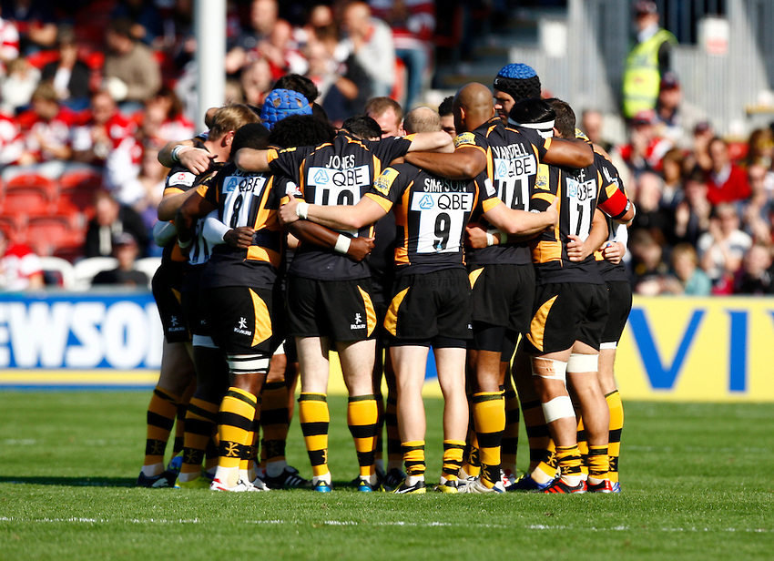 Photo: Richard Lane/Richard Lane Photography. Gloucester Rugby v London Wasps. Aviva Premiership. 22/09/2012. Wasps' Wasps huddle.