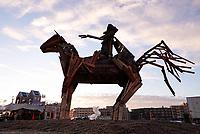 Nederland Utrecht - november 2018. Het Berlijnplein. Sint Maarten is in Utrecht favoriet boven Halloween. In Leidsche Rijn ontstaat een nieuwe traditie: het Vuur van Sint Maarten. Het Vuur van Sint Maarten is een spektakel vol lichtkunst en muziek. Het houten paard werd later die avond verbrand.  Foto Berlinda van Dam / Hollandse Hoogte