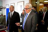Aussenminister Frank-Walter Steinmeier (SPD) empf&auml;ngt am Donnerstag (18.09.14) in Berlin den t&uuml;rkischen Aussenminister Mevl&uuml;t Cavusoglu.<br /> Foto: Axel Schmidt/CommonLens