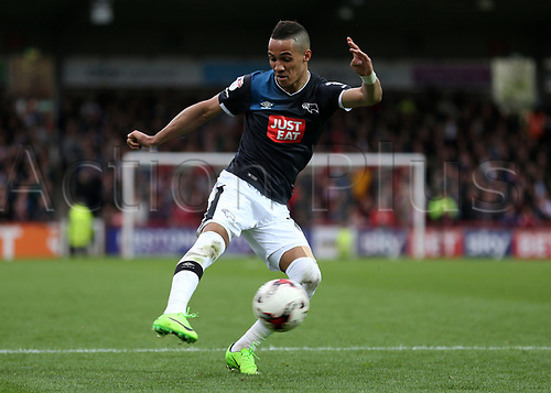 April 14th 2017,  Brent, London, England; Skybet Championship football, Brentford versus Derby County; Tom Ince of Derby County taking a shot