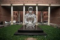 Cremona, museo del violino,  Jaume Plensa 'L'Anima della musica'.