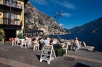 Italien, Lombardei, Restaurant in Limone am Gardasee