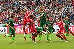 15.07.2017, Borussia Park, Moenchengladbach, GER, TELEKOM CUP 2017 Finale - SV Werder Bremen vs FC Bayern Muenchen<br /> <br /> im Bild<br /> Jesper Verlaat (Werder Bremen #28) im Duell / im Zweikampf mit Kopfball, <br /> <br /> Foto &copy; nordphoto / Ewert