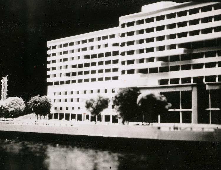 UNDATED.....Model of Omni Hotel...NEG#.NRHA#..