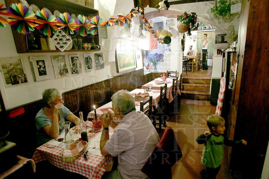 L'interno della Trattoria Il Mulattiere a Sanremo.<br /> Interior of the Trattoria Il Mulattiere in Sanremo.<br /> UPDATE IMAGES PRESS/Riccardo De Luca