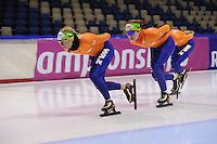 SCHAATSEN: HEERENVEEN: IJsstadion Thialf, 10-01-2013, Seizoen 2012-2013, Essent ISU EK allround training, Linda de Vries (NED), Antionette de Jong (NED), ©foto Martin de Jong