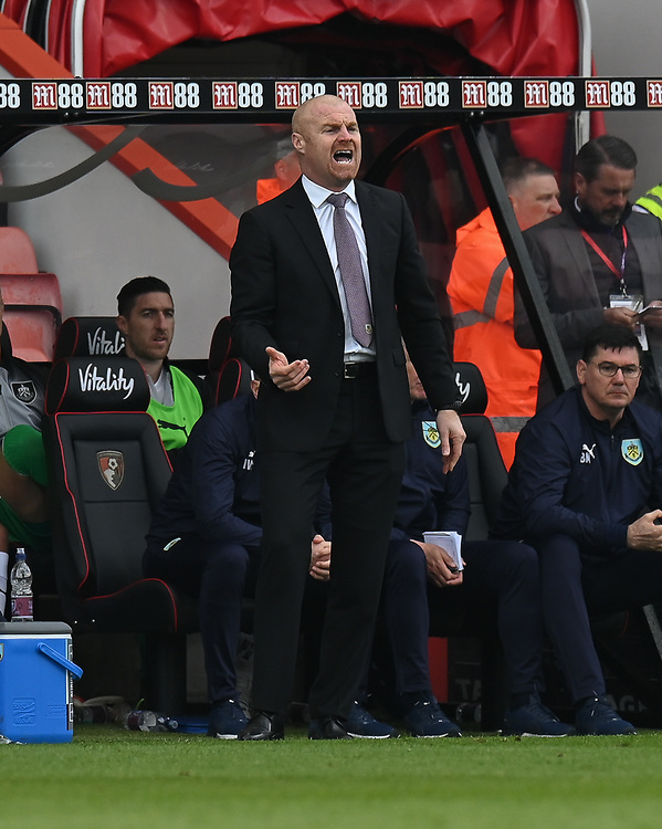 Burnley manager Sean Dyche  <br /> <br /> Photographer David Horton/CameraSport<br /> <br /> The Premier League - Bournemouth v Burnley - Saturday 6th April 2019 - Vitality Stadium - Bournemouth<br /> <br /> World Copyright © 2019 CameraSport. All rights reserved. 43 Linden Ave. Countesthorpe. Leicester. England. LE8 5PG - Tel: +44 (0) 116 277 4147 - admin@camerasport.com - www.camerasport.com