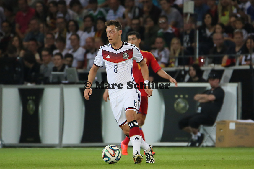 Mesut Özil (D) - Deutschland vs. Armenien in Mainz
