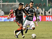 PALMIRA - COLOMBIA, 31-03-2019: Christian Rivera del Cali disputa el balón con Matias Perez Garcia del Cucuta durante partido por la fecha 12 de la Liga Águila I 2019 entre Deportivo Cali y Cúcuta Deportivo jugado en el estadio Deportivo Cali de la ciudad de Palmira. / Christian Rivera of Cali vies for the ball with Matias Perez Garcia of Cucuta during match for the date 12 as part Aguila League I 2019 between Deportivo Cali and Cucuta Deportivo played at Deportivo Cali stadium in Palmira city.  Photo: VizzorImage / Gabriel Aponte / Staff