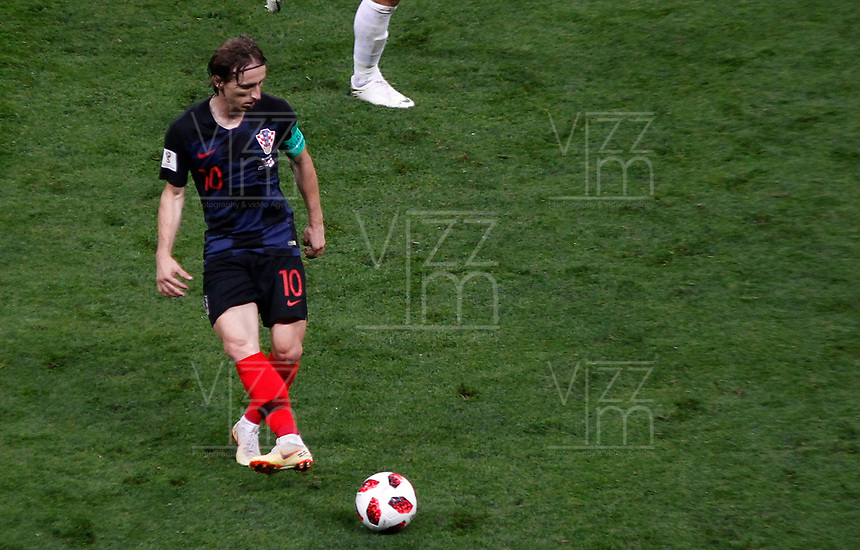 MOSCU - RUSIA, 11-07-2018: Luka MODRIC (C) jugador de Croacia en acción durante partido de Semifinales entre Croacia y Inglaterra por la Copa Mundial de la FIFA Rusia 2018 jugado en el estadio Luzhnikí en Moscú, Rusia. / <br /> Luka MODRIC (C) player of Croatia in action during the match between Croatia and England of Semi-finals for the FIFA World Cup Russia 2018 played at Luzhniki Stadium in Moscow, Russia. Photo: VizzorImage / Julian Medina / Cont