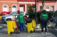 Trabalho de garis do serviço de limpeza publica, Iguape, Sao Paulo. 2018. Foto de Alberto Viana