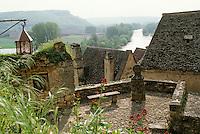 Europe/France/Aquitaine/24/Dordogne/Vallée de la Dordogne/Périgord Noir/Beynac-et-Cazenac: Le village