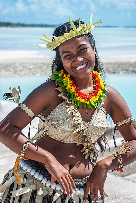 i-Kiribati in traditional costume. Tarawa, Kiribati