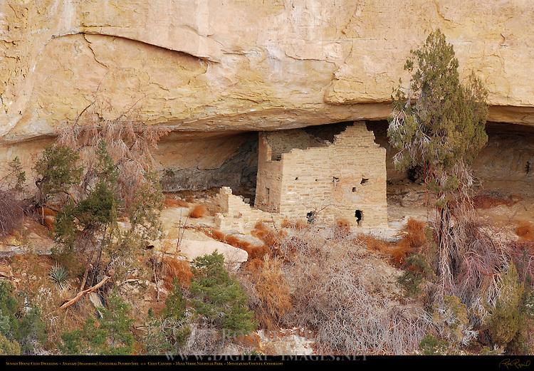 Sunset House Cliff Dwelling, Anasazi Hisatsinom Ancestral Pueblo Site, Cliff Canyon, Mesa Verde National Park, Colorado