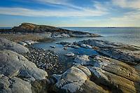 Klippa vid havet i Stockholms södra skärgård