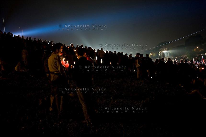Faithful crowd the Circus Maximus in Rome, April 30, 2011, for a prayer vigil honoring Pope John Paul II on the eve of his beatification. .Migliaia di fedeli si sono radunati al Circo Massimo per assistere alla veglia in onore di Giovanni Paolo II.
