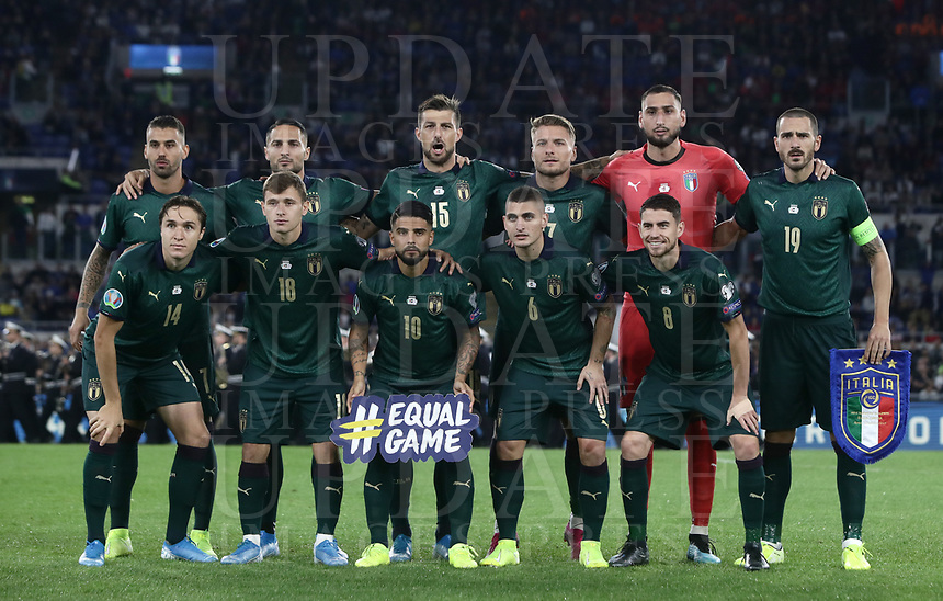 Football: Euro 2020 Group J qualifying football match Italy vs Greece at the Olympic stadium, in Rome, on October 12, 2019.<br /> Italy players pose for the pre match photograph prior to the Euro 2020 qualifying football match between Italy and Greece at the Olympic stadium, in Rome, on October 12, 2019.<br /> UPDATE IMAGES PRESS/Isabella Bonotto