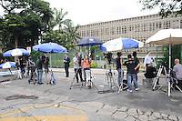 GUARULHOS , SP, 11 MARÇO 2013 - Imprensa na porta do Forum de Guarulhos, para o julgamento de Mizael Bispo, nesta segunda-feira,11. (FOTO: ADRIANO LIMA / BRAZIL PHOTO PRESS).