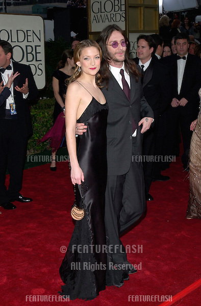 Actress KATE HUDSON & new husband CHRIS ROBINSON at the 2001 Golden Globe Awards at the Beverly Hilton Hotel..21JAN2001.  © Paul Smith/Featureflash