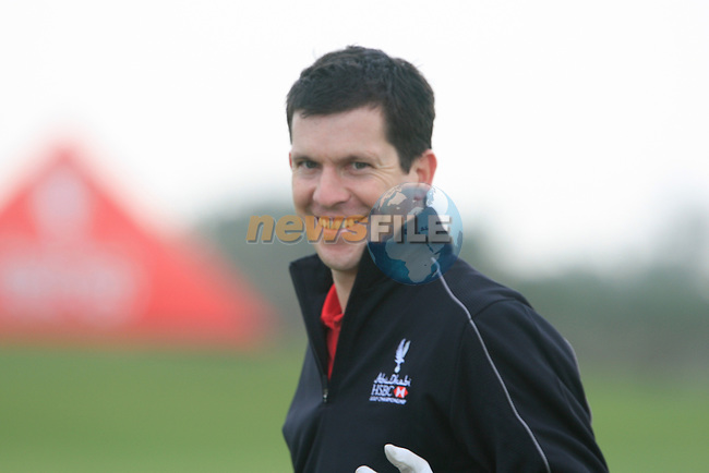 Tim Henman lines up for the Pro-Am match during practice day of the Abu Dhabi HSBC Golf Championship, 19th January 2011..(Picture Eoin Clarke/www.golffile.ie)