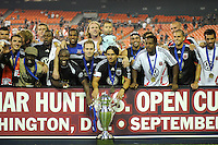 DC United poses for the Lamar Hunt US Open Cup photo, DC United defeated The Charleston Battery 2-1 to win the US Open Cup, Wednesday September 3, 2008 at RFK Stadium.