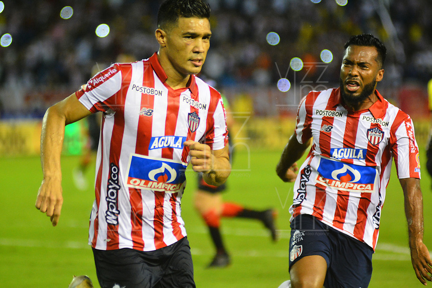 BARRANQUILLA - COLOMBIA, 24-11-2019: Teofilo Gutiérrez del Atlético Junior celebra después de anotar de tiro penalty un gol al Cúcuta Deportivo durante partido por los cuadrangulares semifinales de la Liga Águila II 2019 entre Atlético Junior  y Cucuta Deportivo  jugado en el estadio Metropolitano Roberto Meléndez de la ciudad de Barranquilla . /Teofilo Gutierrez of Atletico Junior celebrates after scoring a goal  against of Cucuta Deportivo during match for the quadrangular semifinals as part of Aguila League II 2019 between Atletico Junior  and Cucuta Deportivo played at Metropolitano Roberto Melendez  stadium in Barranquilla  city. Photo: VizzorImage / Alfonso Cervantes / Contribuidor